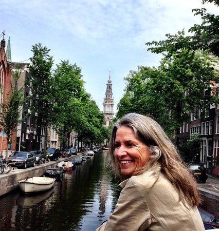 Omy Amsterdam Tours: Ann Dunham in Amsterdam - Photo by Terry Hunefeld