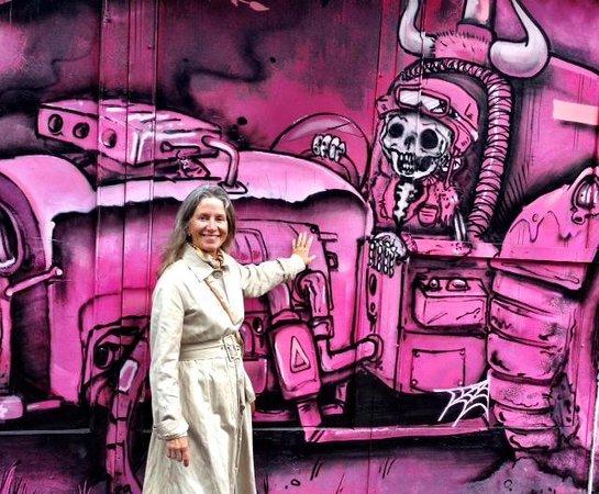 Omy Amsterdam Tours: Ann Dunham - Amsterday Street Art  - Photo by Terry Hunefeld