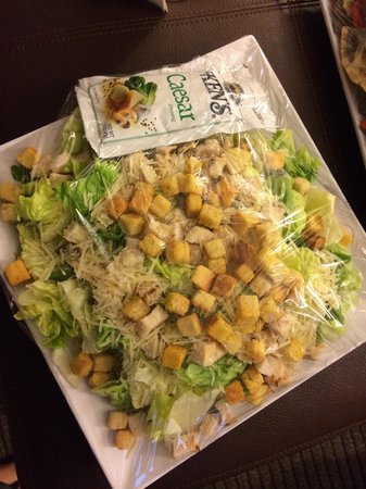 Hyatt Place Oklahoma City Airport: Chicken Caesar salad. Ask for two dressing packs. Nice and fresh.