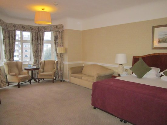 Hallmark Hotel Bournemouth Carlton: Our amazing room!!