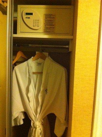 Abbey Resort & Spa: In-room safe