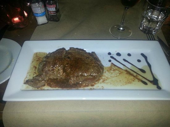 Gianni's: Fillet of Beef with brandy flambe