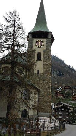 Hotel Testa Grigia : Igreja da  cidade de  Zermatt