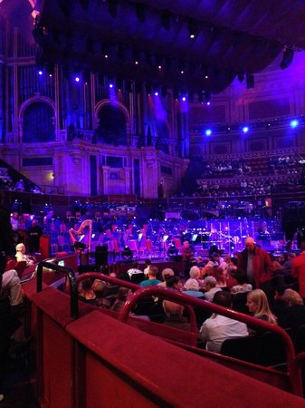 Royal Albert Hall: Сцена, Орган