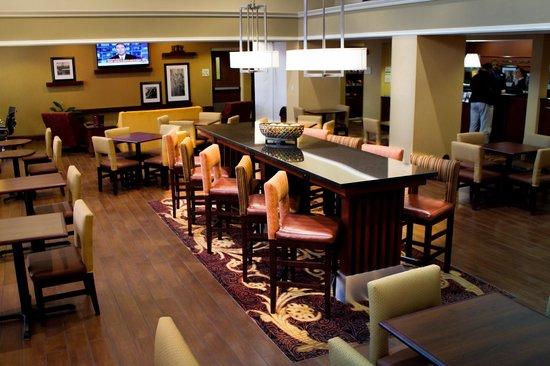 Hampton Inn & Suites Springfield - Southwest: Hampton's Perfect Mix Lobby