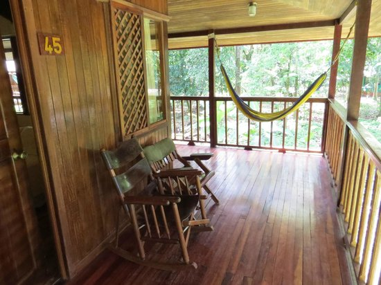 Selva Verde Lodge: Our balcony (riverside room)