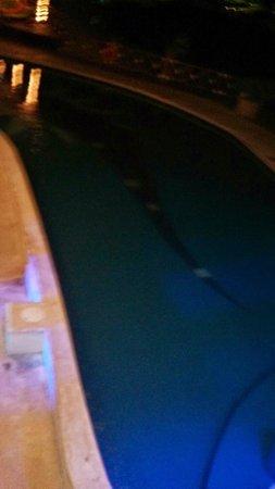 All Ritmo Cancun Resort & Waterpark: No pool lights at night