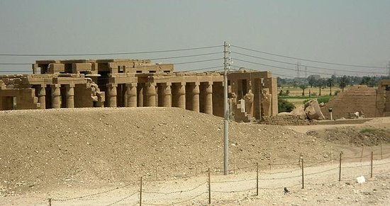 Ramesseum (Mortuary Temple of Ramses II): A view of Ramasseum from outside