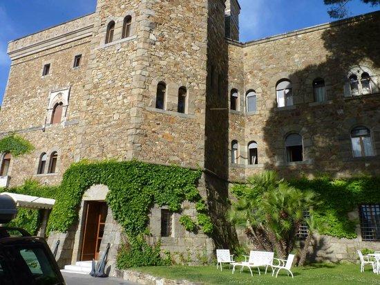 Grand Hotel Dei Castelli: Esterno castello