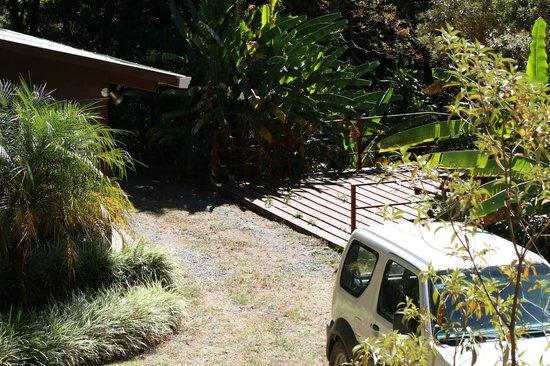 Los Pinos - Cabanas y Jardines: Decking Area
