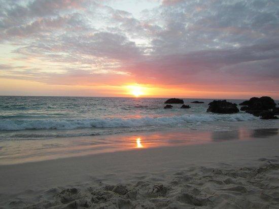 Manini'owali Beach (Kua Bay): Kua Beach setting sun