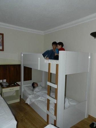 Hotel Akin Paradise: двухэтажные кровати для детей