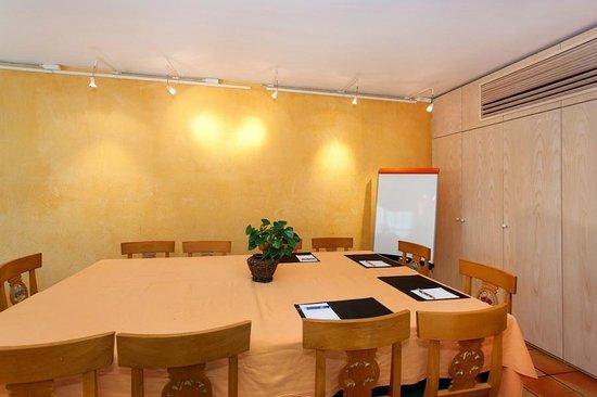 Auberge du Poids Public : salle de réunion Célestine