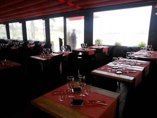 Shoko : La terraza es bonita hasta los días de lluvia...♥