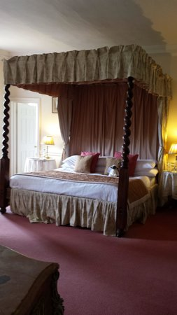Chilston Park Hotel: Gilt Room