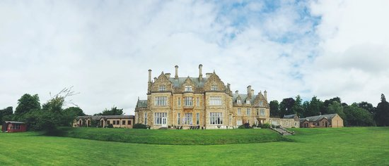 Branston Hall Hotel: View of the hotel from the outside