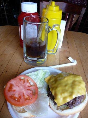 Corner Bistro : Cheeseburger