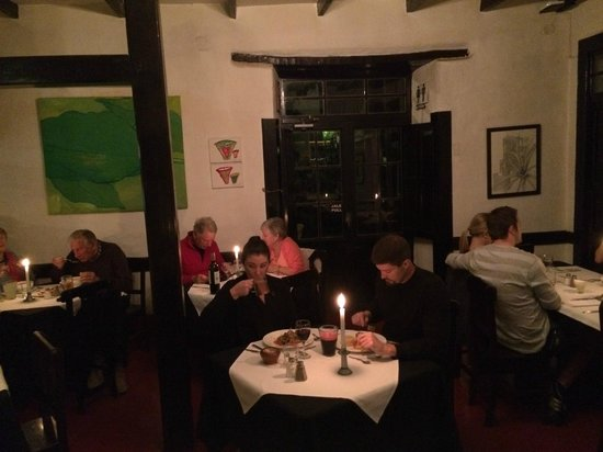 El Albergue Restaurant: Romantic setting and candlelit dinner