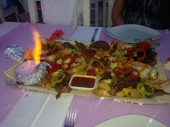 Seaport Restaurant: Ottoman gold platter, amazing!