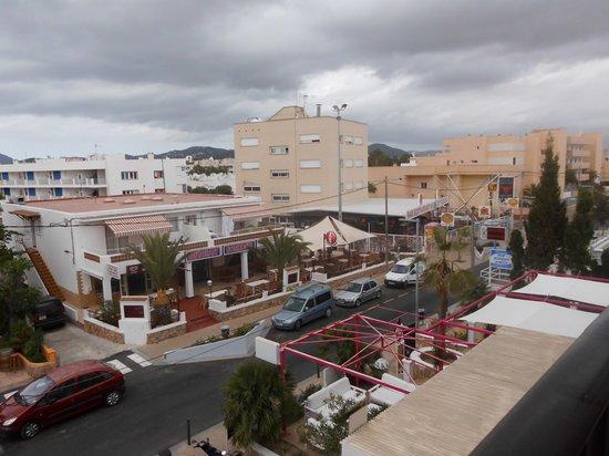 Arcomar Apartments: streetview