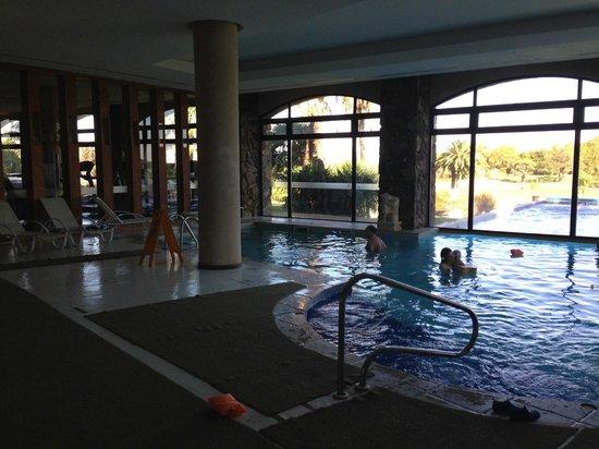 Sheraton Colonia Golf & Spa Resort: Piscina Cerrada