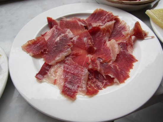 Jose Tapas Bar: iberico ham platter - expensive but well worth every penny