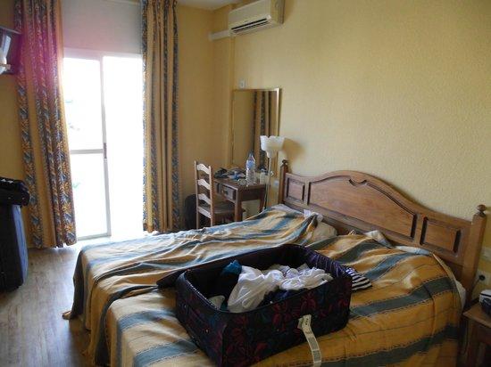 Hotel San Fermin: room