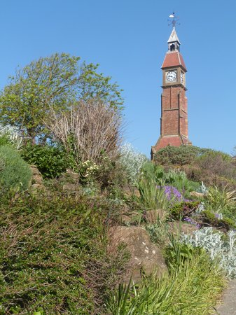 Bay Tree House : Jubilee Tower and Gardens