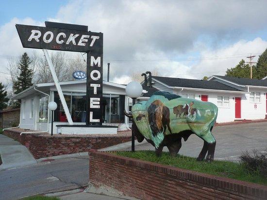 Rocket Motel : misty May morning