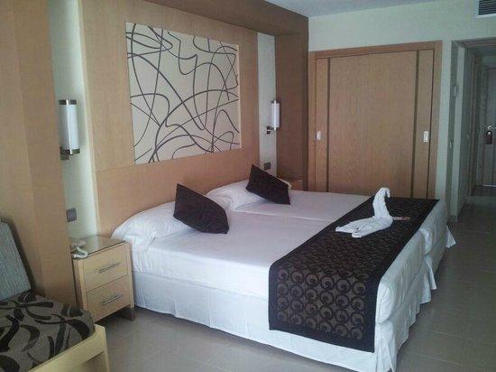 Hotel Riu La Mola: Habitación