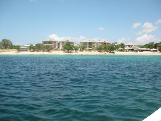 Bay Gardens Beach Resort : Hotel from the water