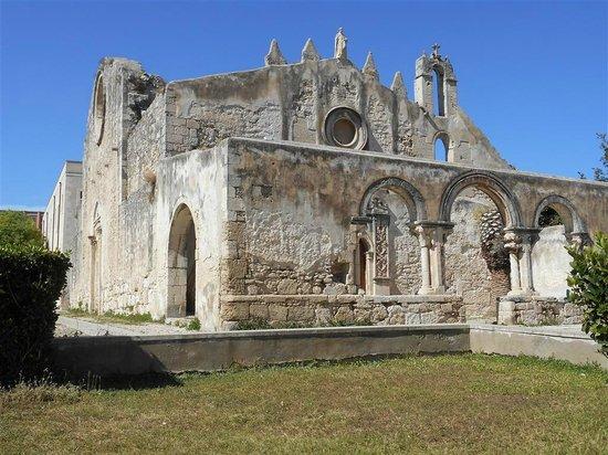 Katakomben des hl. Johannes (Katakomben von Syrakus): Chiesa sovrastante le catacombe, veduta dall'esterno.
