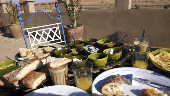 Kasbah Azalay Merzouga: Delicious breakfast!