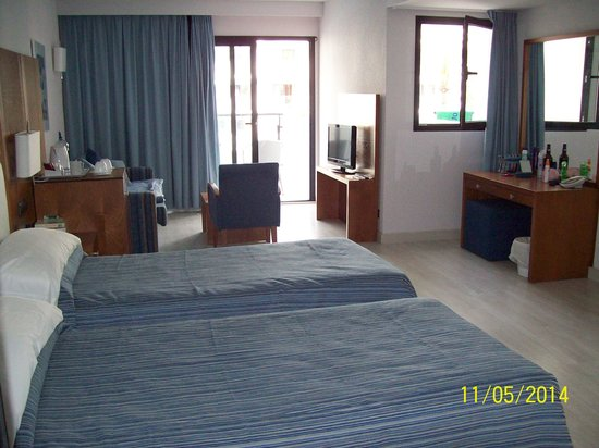Protur Palmeras Playa: Our room - 1233