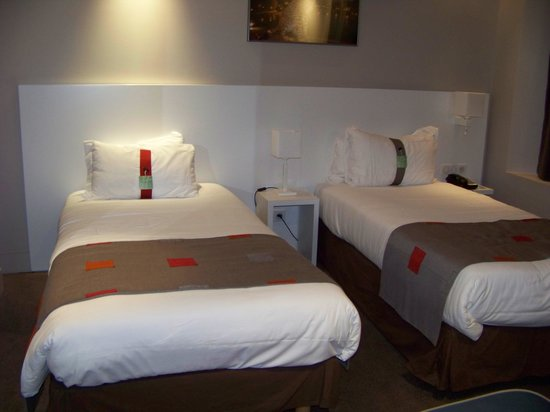 Holiday Inn Paris Auteuil : La chambre
