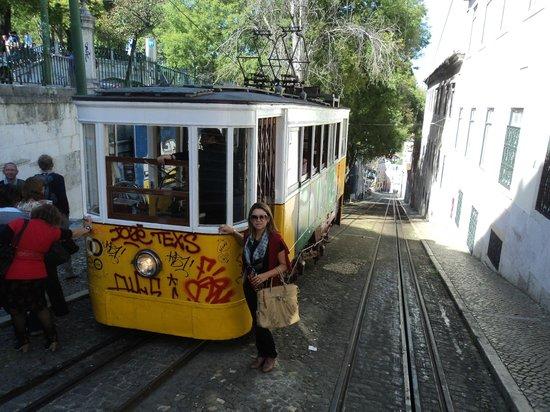 Lisboa Story Centre: Subida ao Bairro Alto de Bonde!!