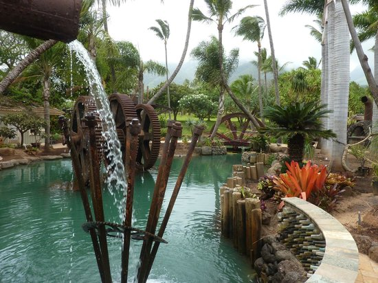Maui Tropical Plantation: Relaxing water