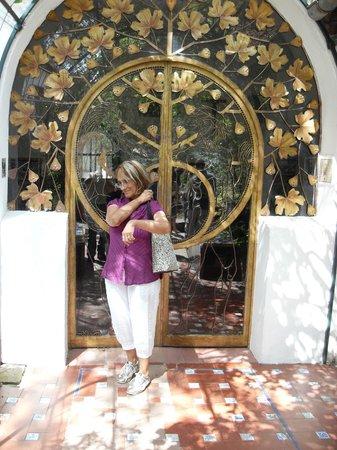 Casa de Manuel Mujica Láinez  : la puerta de entrada a la casa