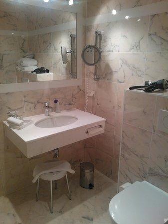 Schlossberg Hotel: Bathroom