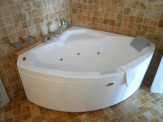 San Antonio Suites: Chambre 25 - Jacuzzi intérieur