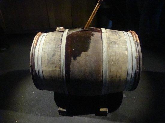 Bowmore Distillery : 15yr old Bordeaux cask