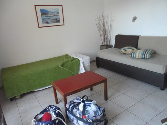 Electra Holiday Village: 3rd bed and sitting area