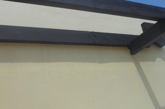 Electra Holiday Village: Damaged frame on balcony