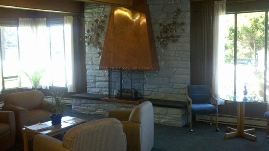 Blue Coast Inn & Suites : Lobby