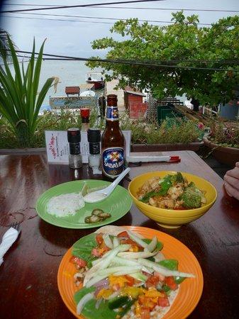 Cafe Escondido: fish tacos & spicy cashew shrimp & chicken bowl...MMMM!!