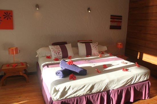 Raiatea Lodge Hotel : l autre chambre en vert