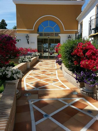 Globales Cortijo Blanco: Stunning walk from reception to main area