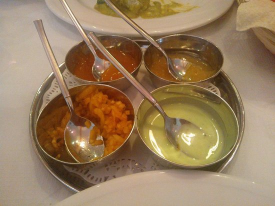Kathmandu Kitchen Nepalese & Indian Restaurant: Poppadom Dips