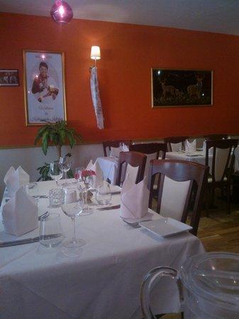 Kathmandu Kitchen Nepalese & Indian Restaurant: Surroundings