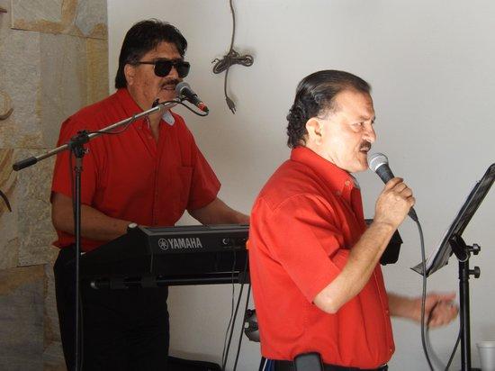 Oceano Palace: Musica en Vivo